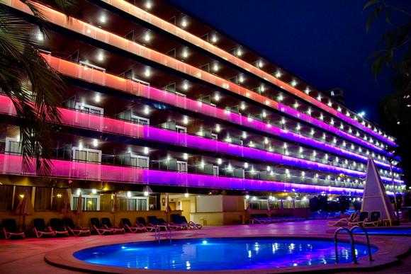 L'hôtel Diplomatic éclairé - Het verlichte Diplomatic Hotel