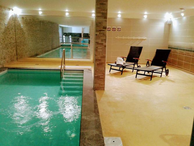 Piscine de l'hôtel Les Sables d'Or - Het zwembad van het hotel Les Sables d'Or