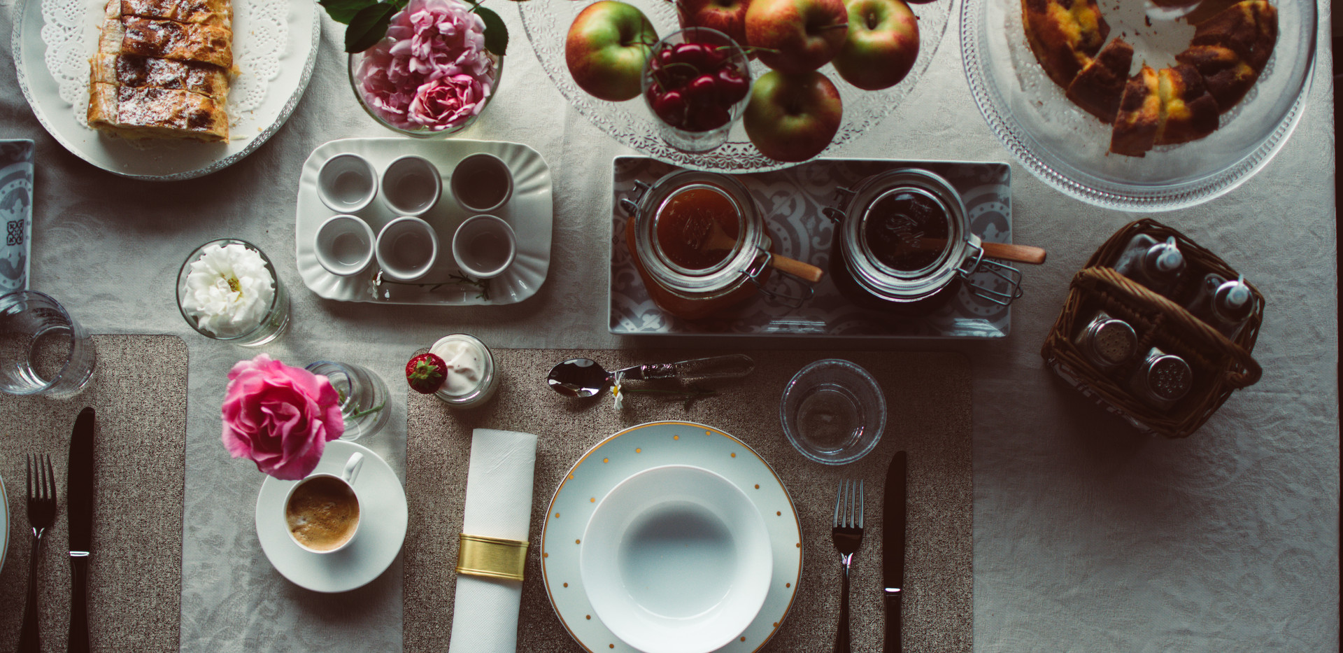 Breakfast Maso Azzurro dolomites.jpg