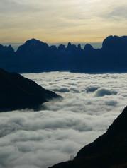 16664 Dolomiti di Brenta sopra le nuvole viste dalla Val Nambrone, Michele Zeni 27.09.26.J