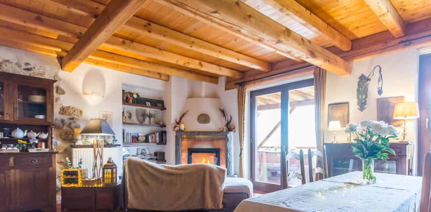 Chalet Trentino Maso Azzurro Fireplace .
