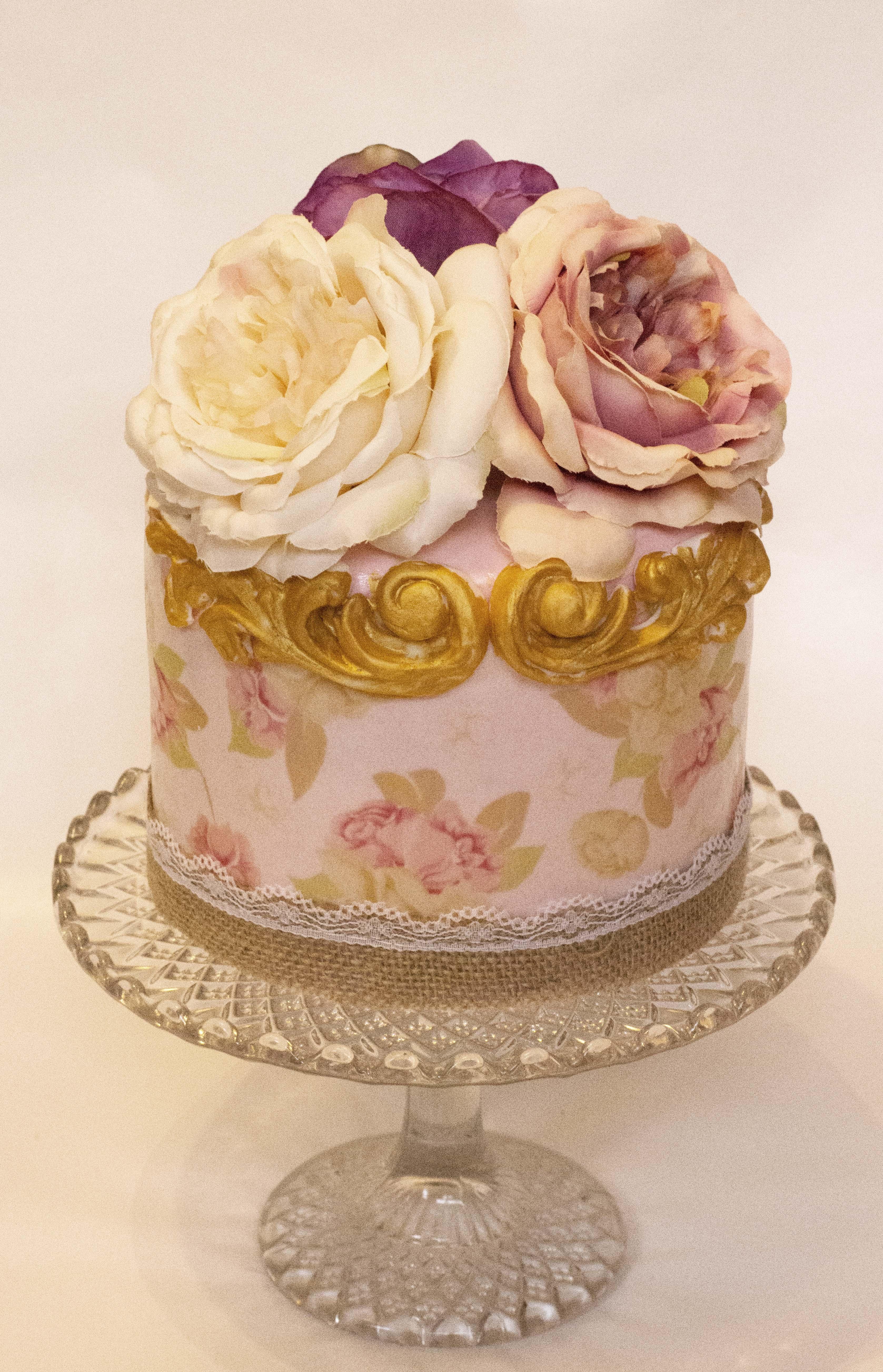 vintage cake.jpg