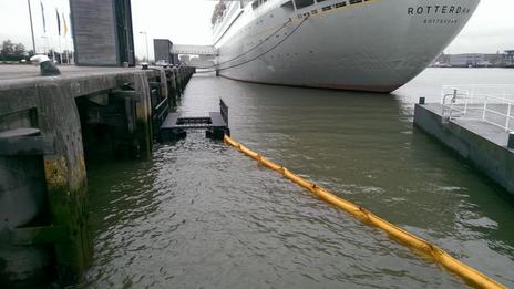 Rotterdam start met filteren plasticafval uit Nieuwe Maas