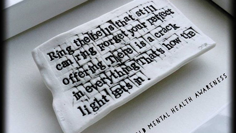 Leonard Cohan - '...thats how the light gets in'