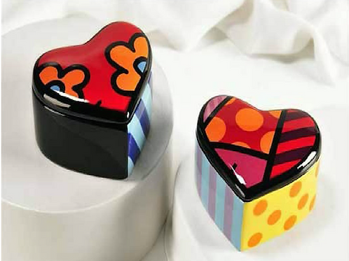 CERAMIC HEART SHAPED TRINKET BOX
