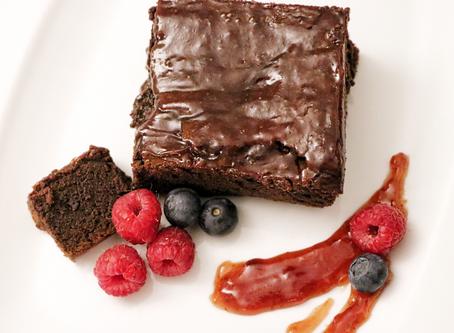 Najsočniji i brzi brownie kolač s jagodom