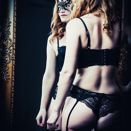 Femme Fatale Boudoir Photoshoot Gift Package