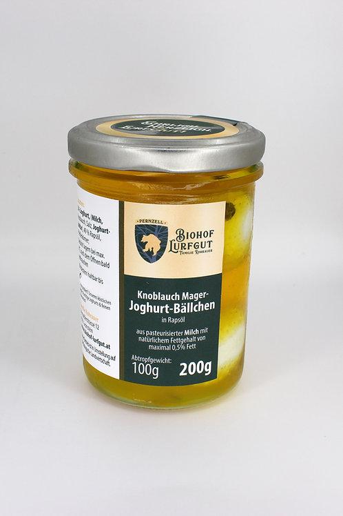Knoblauch Mager-Joghurt-Bällchen in Rapsöl