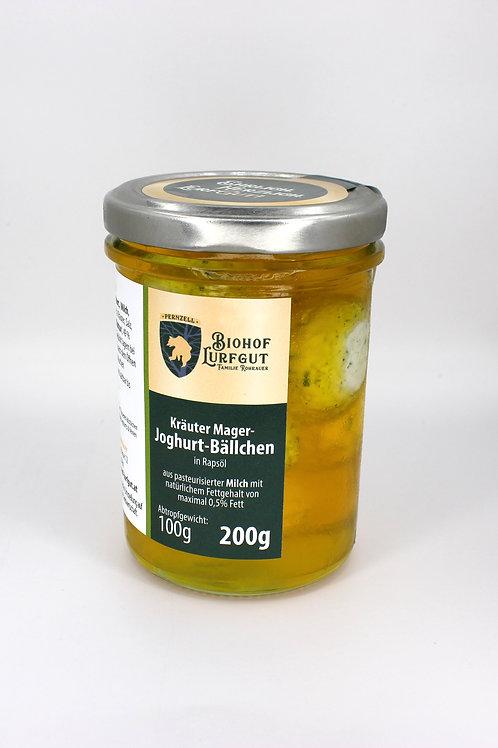 Kräuter Mager-Joghurt-Bällchen in Rapsöl