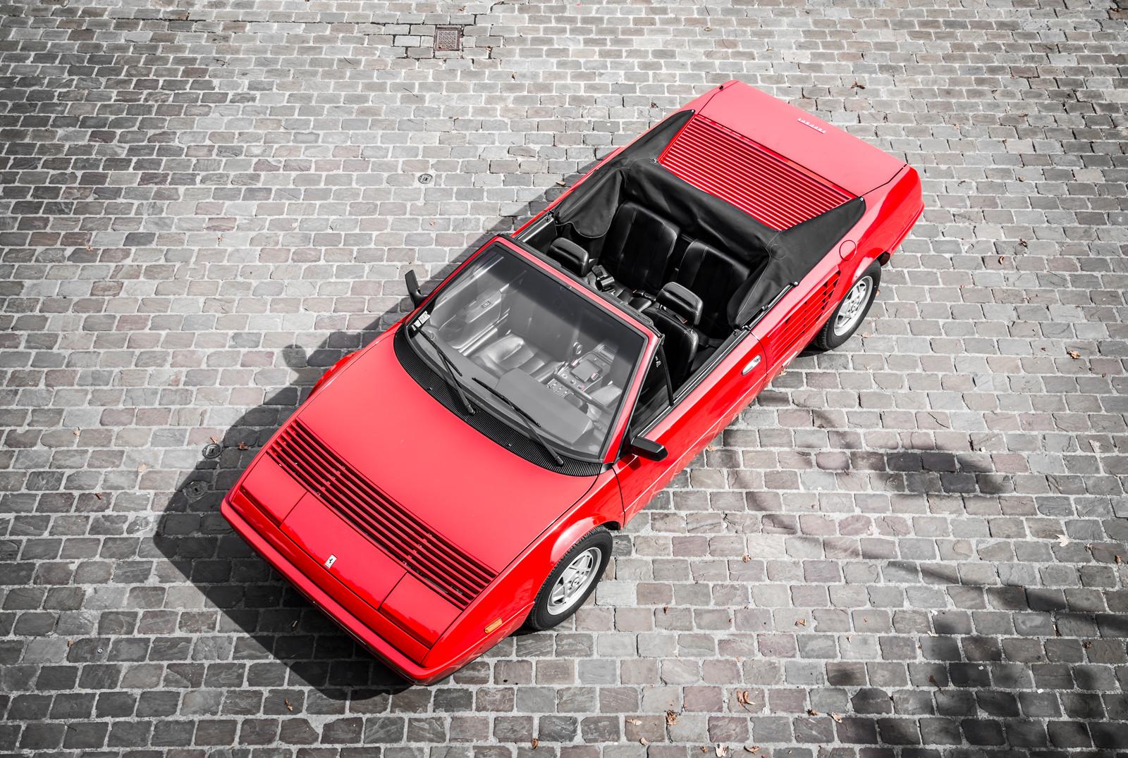 location ferrari mondial cabriolet 1986 paris heritage tours. Black Bedroom Furniture Sets. Home Design Ideas