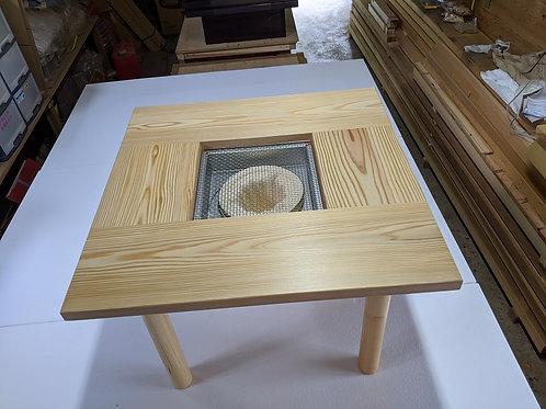七輪バーベキュー 焼肉テーブル 4本足高さ56cm 家庭用 七輪付き  780x780x560mm  2~4人用 収納できる 炭火焼  ガーデン アウトドア