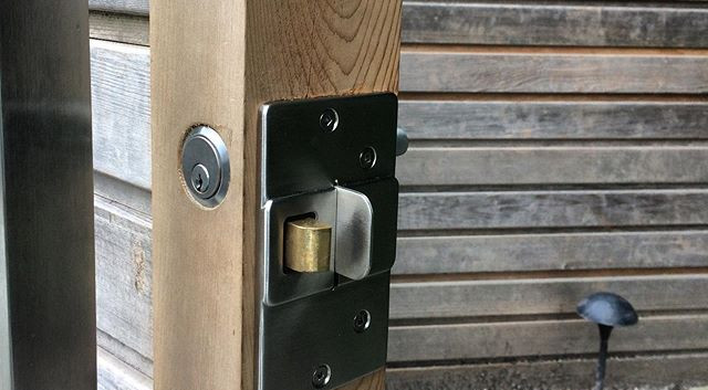 Custom hardware solutions MicroWORKS Handyman