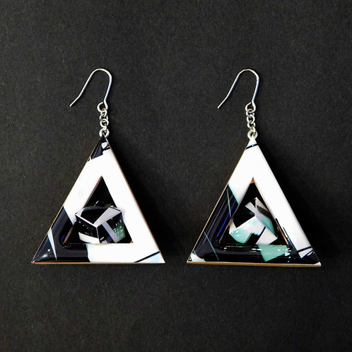 《Re:flection》Triangle Cubeピアス/イヤリング(BLACK)
