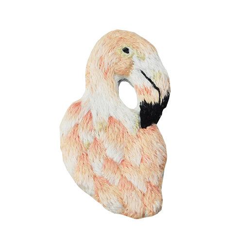 《fleur》手刺繍フラミンゴブローチ