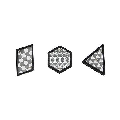《ZOKUZOKU》和柄の三連モノクロピアス/イヤリング