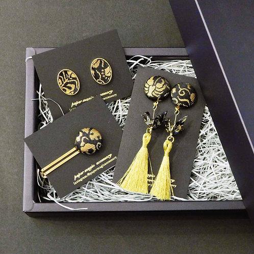 《paper magic》折り鶴のタッセルピアス/イヤリングとネクタイピンとカフスボタンのセット※送料無料