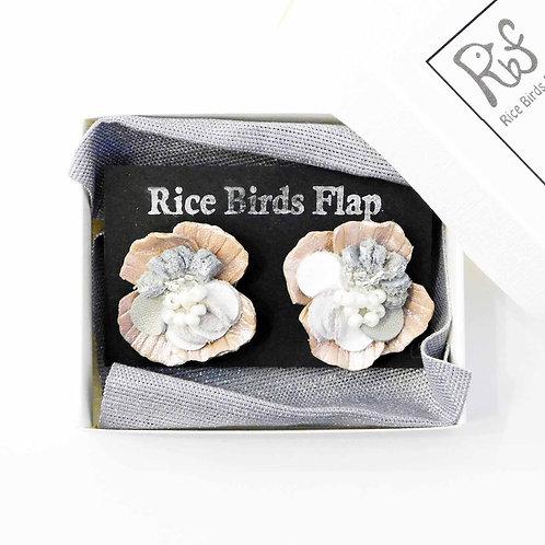 《Rice Birds Flap》レザーフラワーピアス/イヤリング※ホワイト