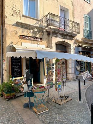 Zoom sur la superbe boutique de Dominique à Lorgues !