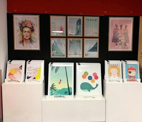 Les affiches WALL EDITIONS en boutique chez Rougier&Plé Fille du Calvaire – Paris