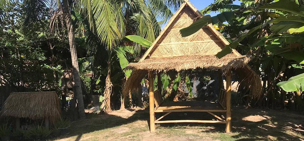 vue sur une maison typique thai a louer pour une nuit chez l'habitant