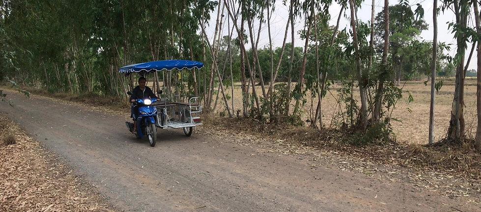Balade dans les rizières en Isaan. Thaïlande authentique