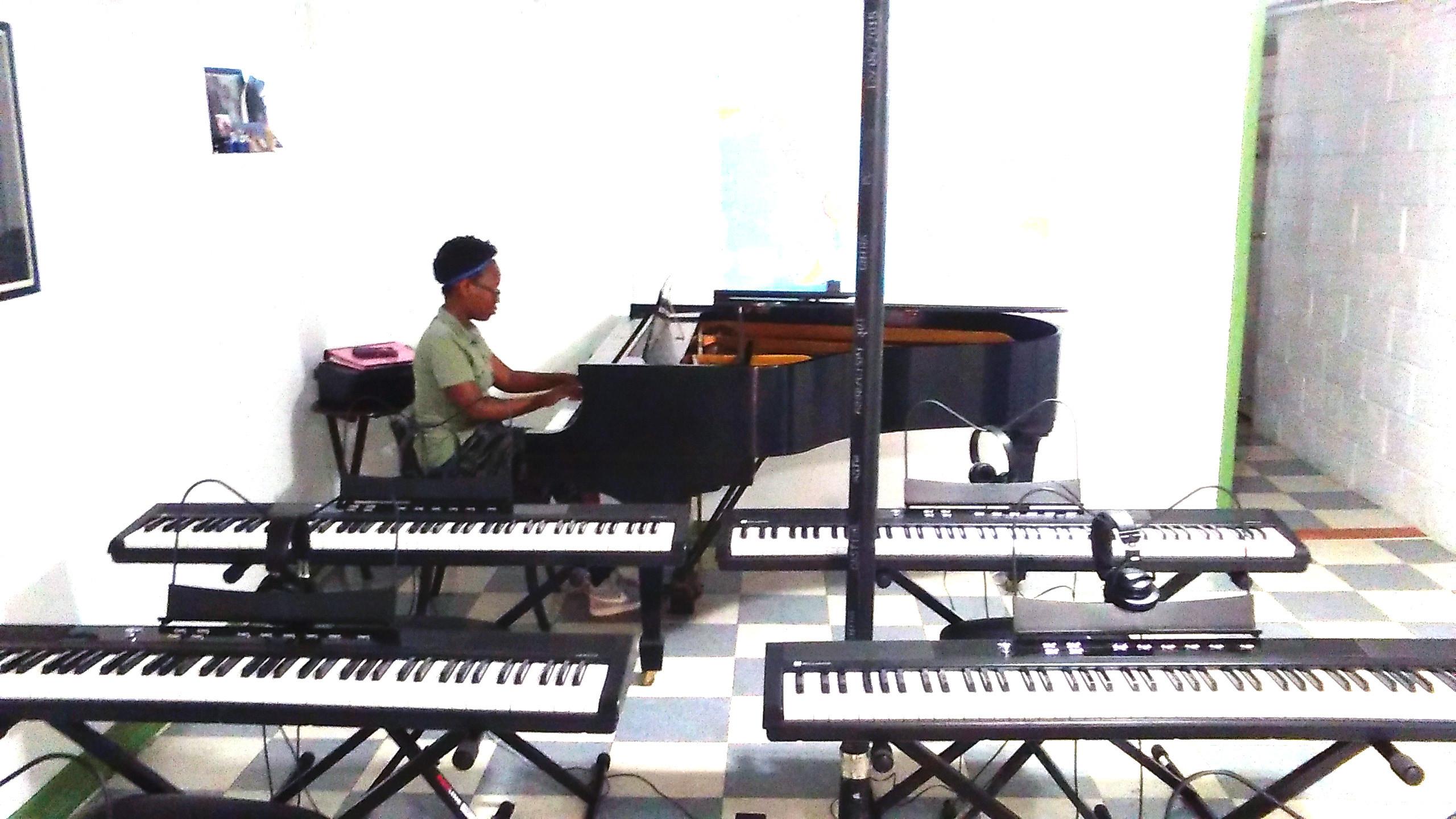 Piano I/II- Ages: 12-17