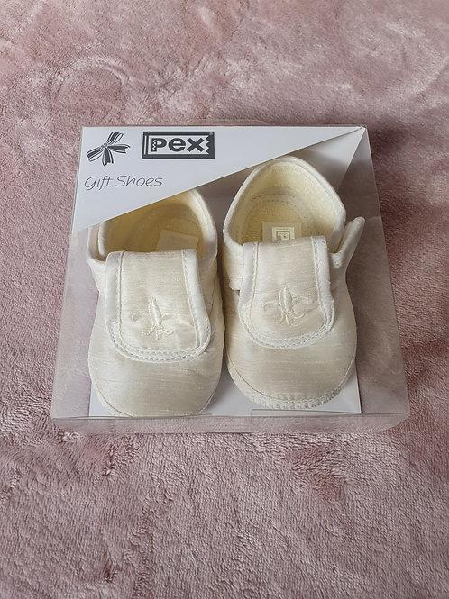 Royal Louis Ivory shoe
