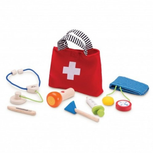 Wooden doctors set with fabric bag