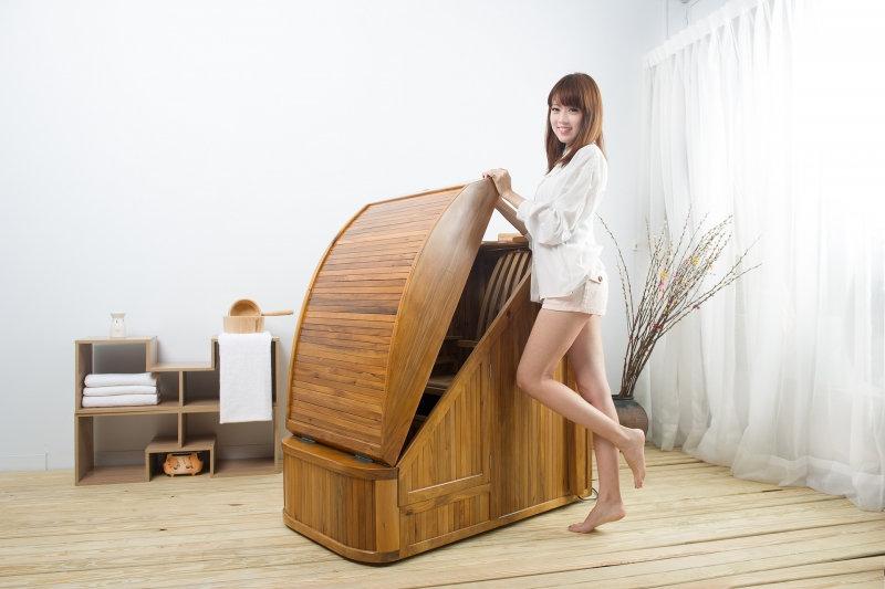 spa with lady.jpg