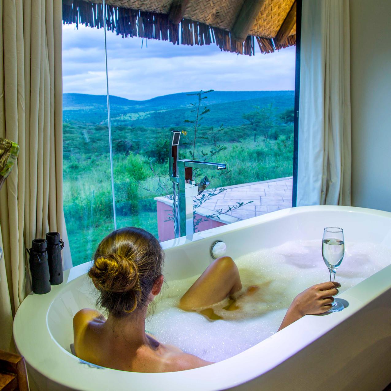 Spirit of the Masai Mara - Bathtub