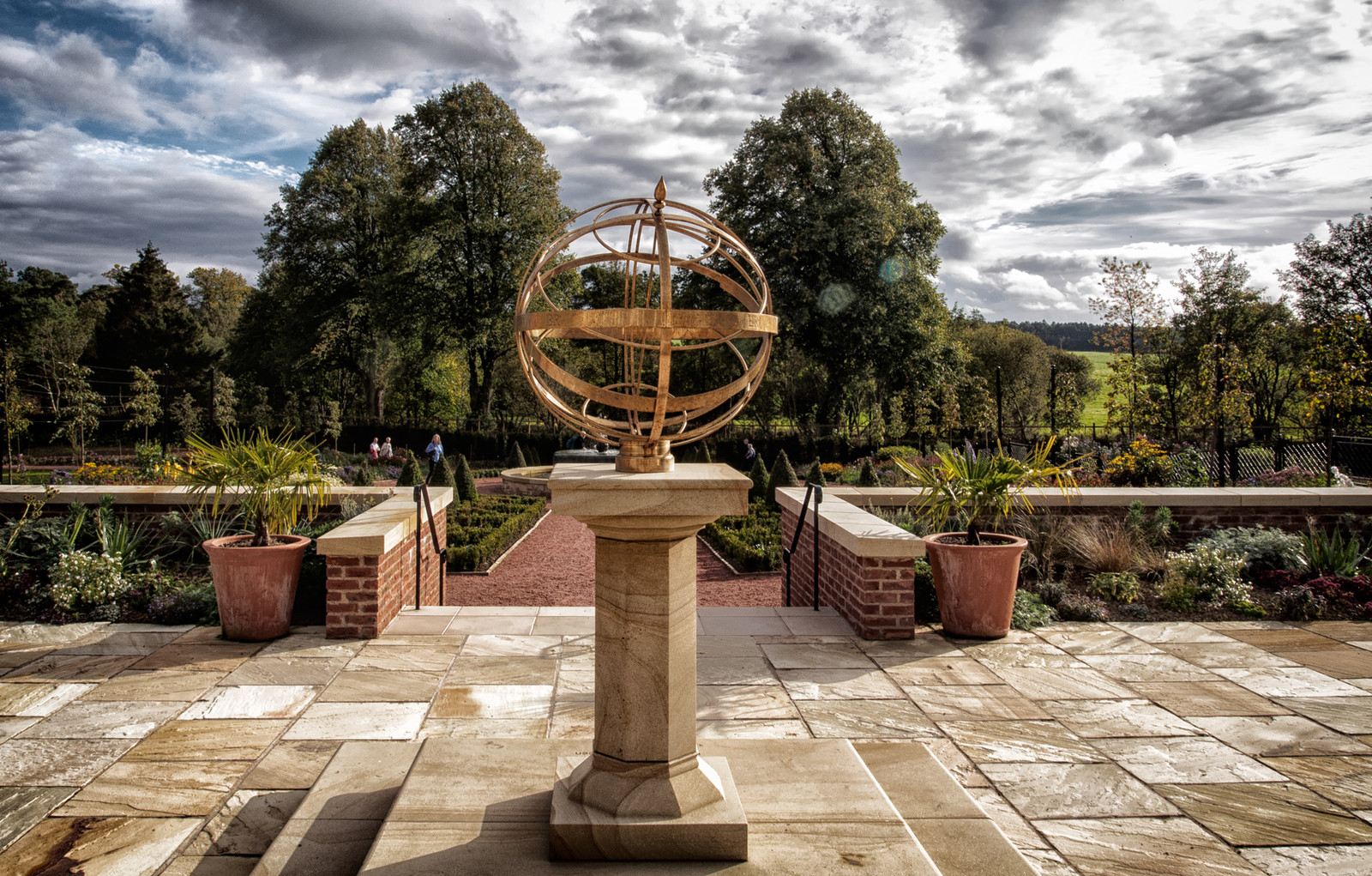 Sundials Gallery, pictures of Sundials by Brad Dillon