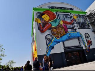 Murales dei brasiliani Osgemeos all'Hangar Bicocca
