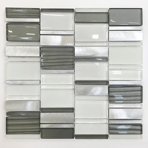 The Links collection of rectangle mosaic pieces always combines various elements of glass, metal and stone