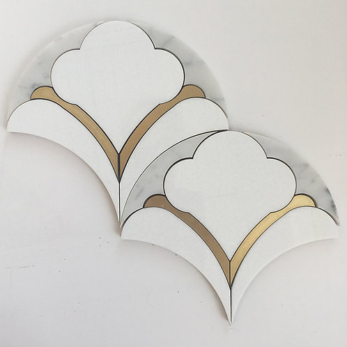 Palmette Thassos & Brass: a pattern reminiscent of art deco, with gold brass accents and waterjet finesse