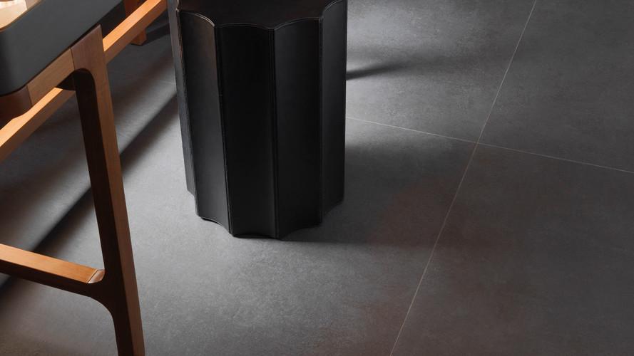 Bello Steel Black
