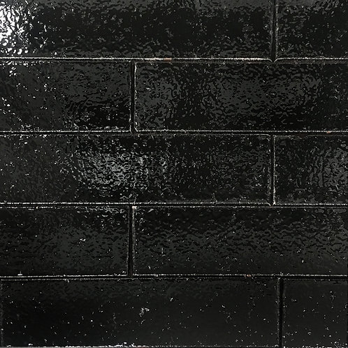 Crafted Brick Jet Black subway tile has time worn appeal for a classic look that is rich in colour and impactful