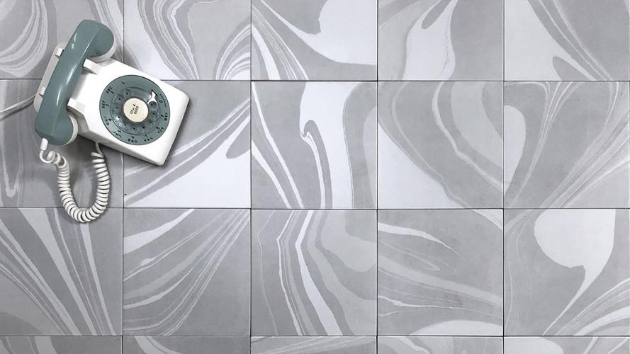Swirl Silver 9x9