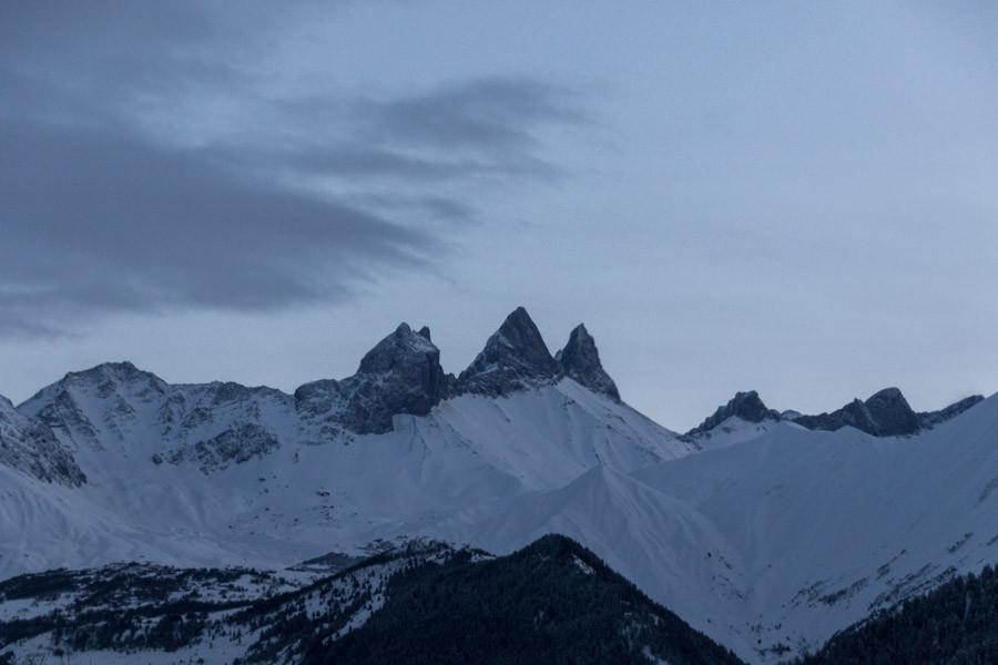 Les Aiguilles d'Arves, L'emblème de la Maurienne. La plus haute des aiguilles culmine à 3514 mètres.