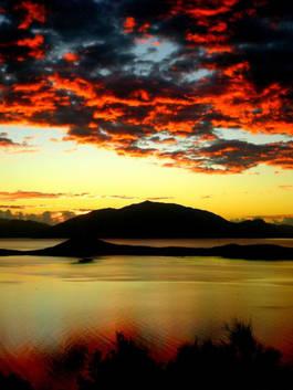Le Mont-Dore au levé du soleil