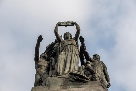 Statue dans le centre ville de Turin, dans le jardin royal.