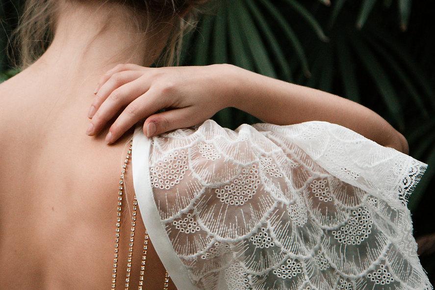 créatrice, robe de mariée, paris, lyon, robe précieuse, bijou, sur mesure, unique