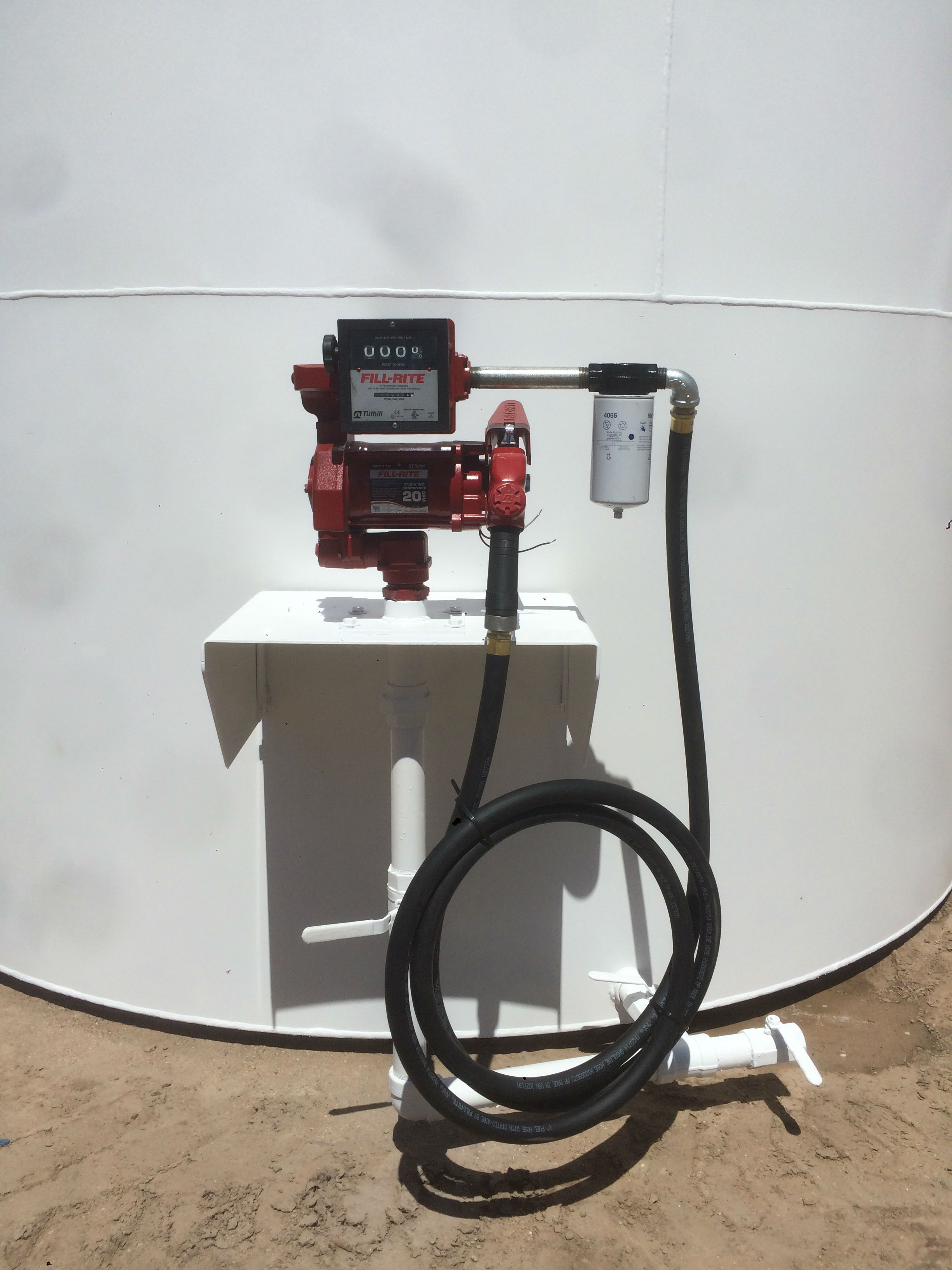 Tank with stand and 20GPM pump