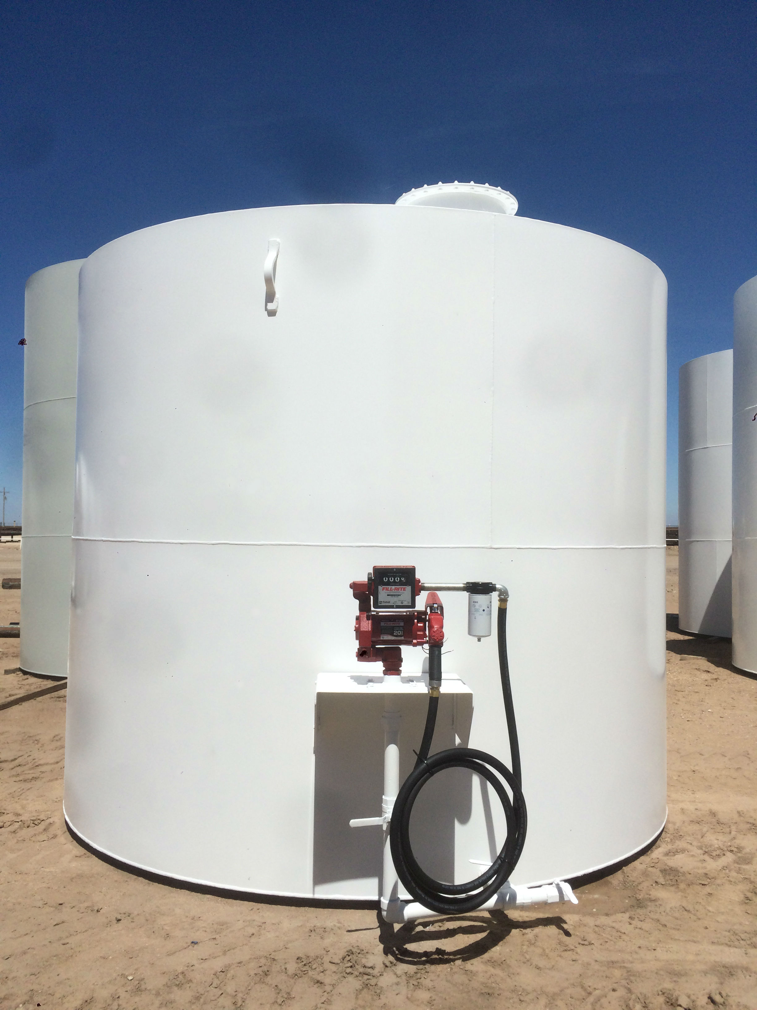 Tank and pump with all the access