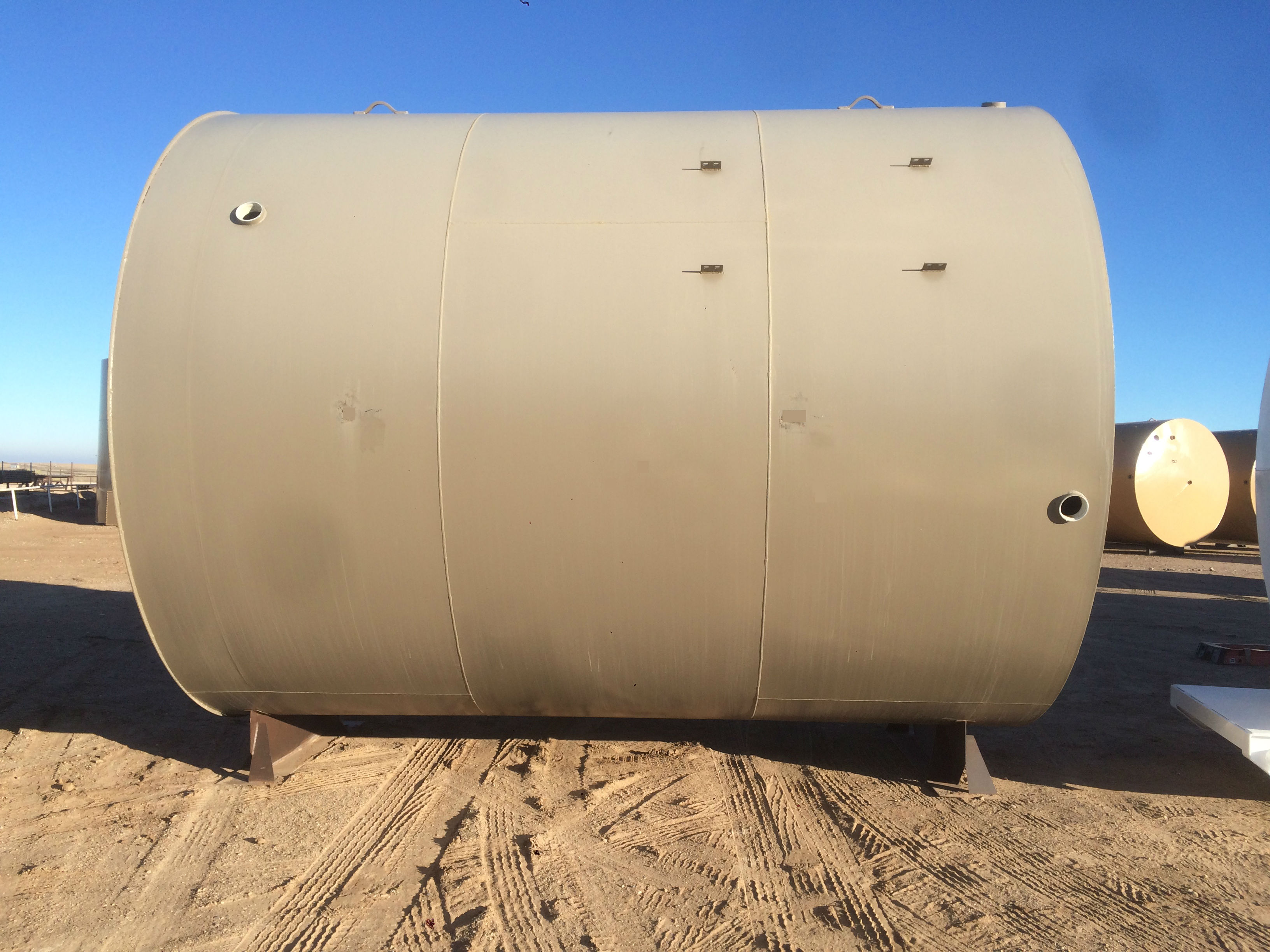 300 BBL skirted cone bottom