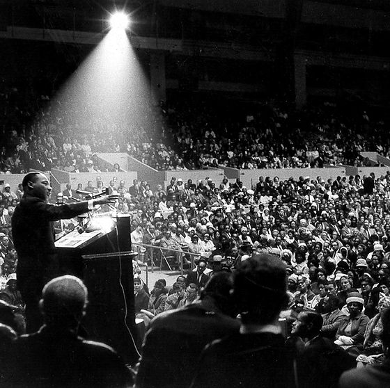 MLK giving speech.jpg