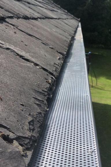 Aluminium Leaf Guard for plastic guttering Length 2.5Metres
