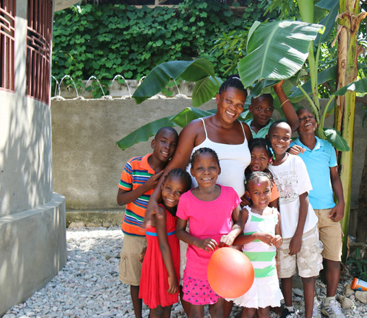 Haiti%20-%20Family%20Home%20_edited.jpg