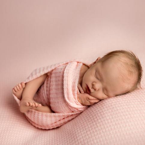 Minneapolis Newborn Photographer