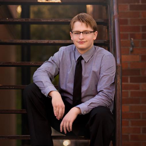 Minneapolis-Cambridge-MN-Senior Portrait Photographer