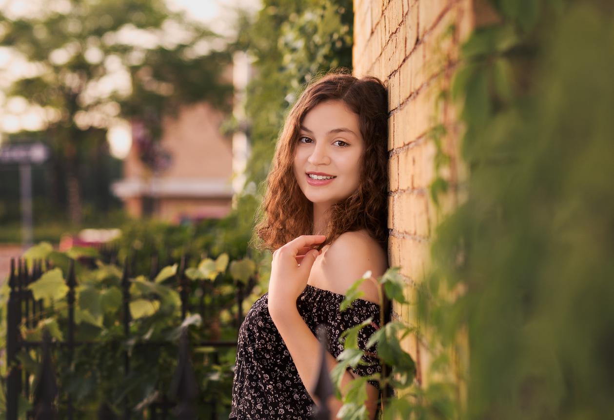 Claire | Senior Portrait Session | Minneapolis-Cambridge, MN Photographer